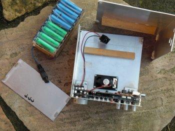 Oberteil bereits angeschnappt und Transistoren verschraubt